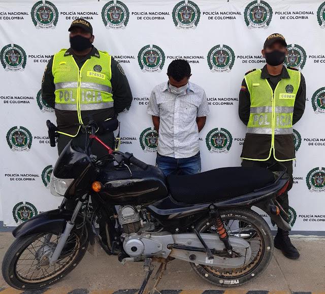 hoyennoticia.com, Se robo una moto en Maicao y lo pillaron en Uribia