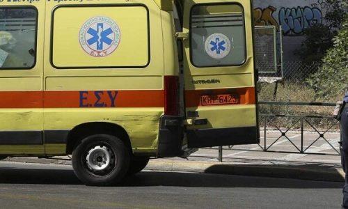 Σε ένα εγκαταλελειμμένο αυτοκίνητο, στην περιοχή Αγίου Νικολάου Κοπάνων, κοντά στο εργοτάξιο του Δήμου ζούσαν εδώ και καιρό μία 52χρονη γυναίκα και ένας άνδρας ίδιας περίπου ηλικίας.
