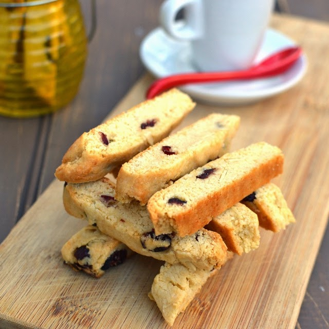 Almond-Cranberry Biscotti (Eggless Recipe)