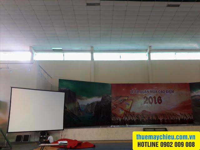 Cho thuê máy chiếu tại Bình Dương tổ chức sự kiện của Oppo