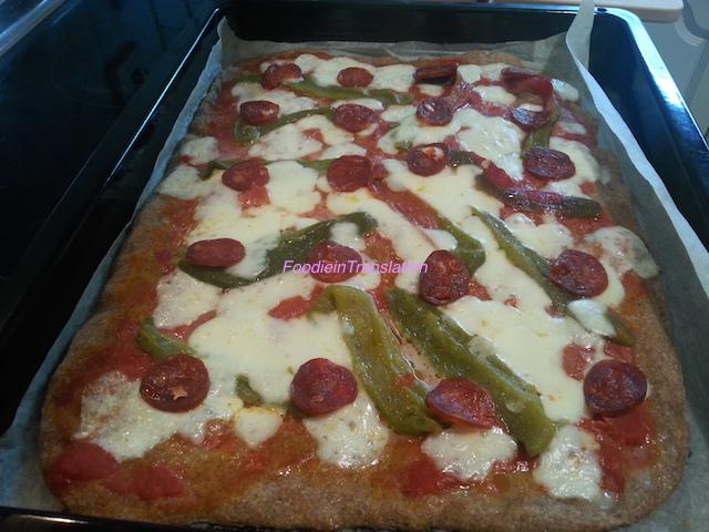 Pizza peperoni e chorizo rossa