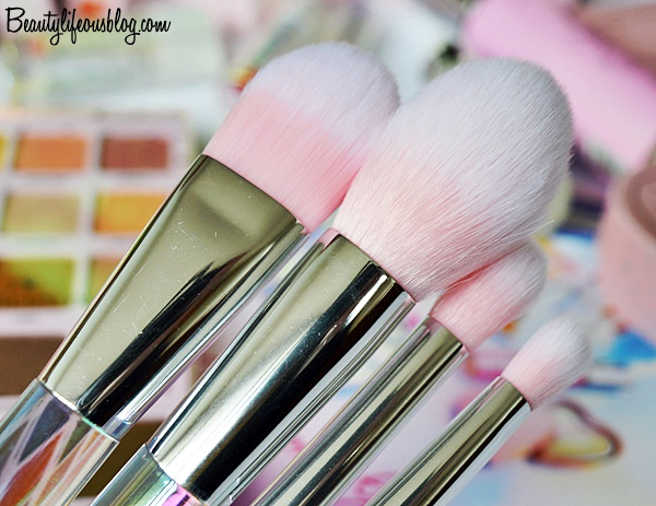 I Heart Revolution Unicorn Heart - Glow Brush Set Review