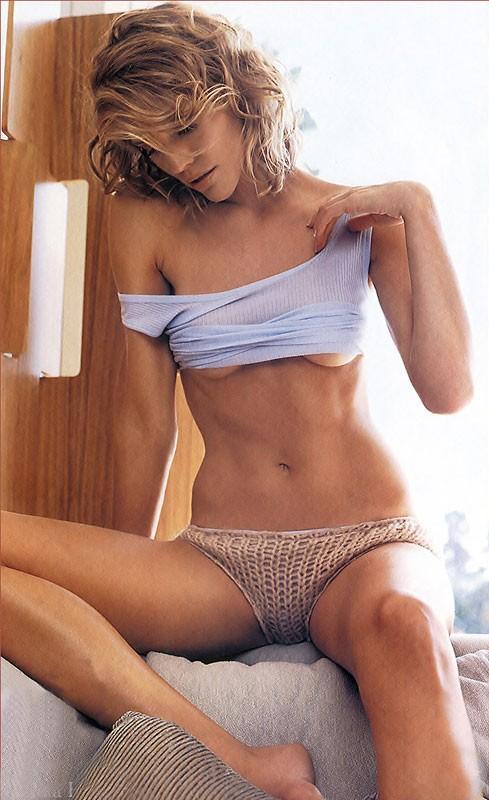 Tricia Helfer Sexy Pics
