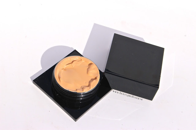 serge lutens spectral foundation swatches