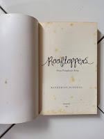 1 Novel Rooftoppers (Para Penghuni Atap)