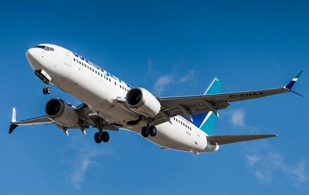Boeing зупинив поставки літаків 737 MAX
