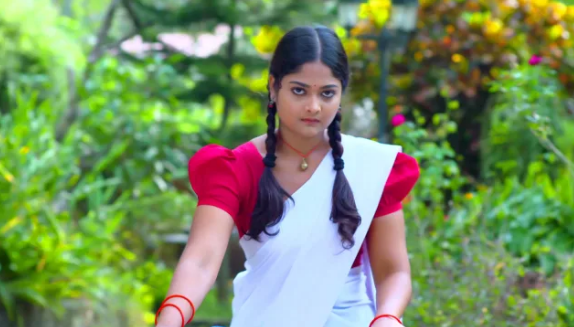 Mounaragam -Asianet serial actress
