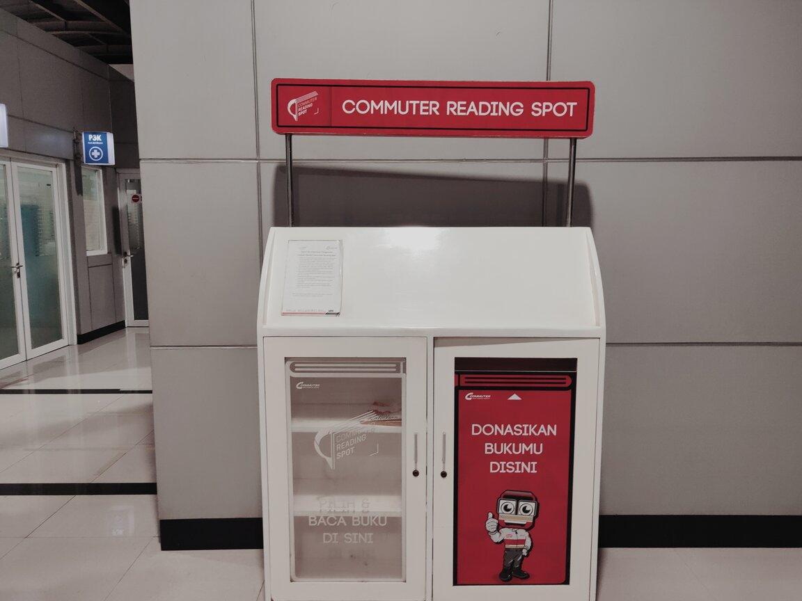 Ruang Membaca di Stasiun
