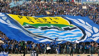 Bobotoh Persib Bandung Kena Sanksi Lima Pertandingan, termasuk saat melawan Arema.