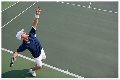 Jenis Cara Melakukan Teknik Servis Tenis Lapangan yang Baik dan Benar