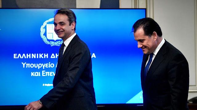 ΣΥΡΙΖΑ θα λες και θα κλαις: η εβδομάδα των υποκλίσεων