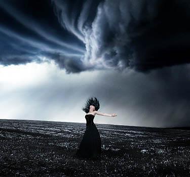 Ενα μου δακρυ σηκωσε......θυελλα....τρικυμια οντε σου ειπα σ'αγαπω.....οπως ποτέ καμμια..............(....)