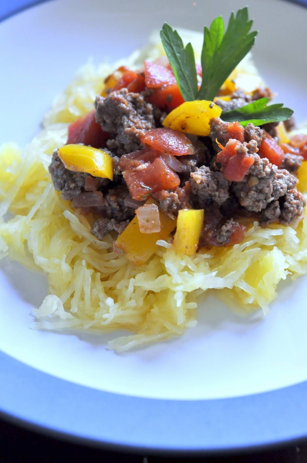 Spaghetti Squash with Chunky Beef and Tomato Sauce   Get the recipe on Taste As You Go!