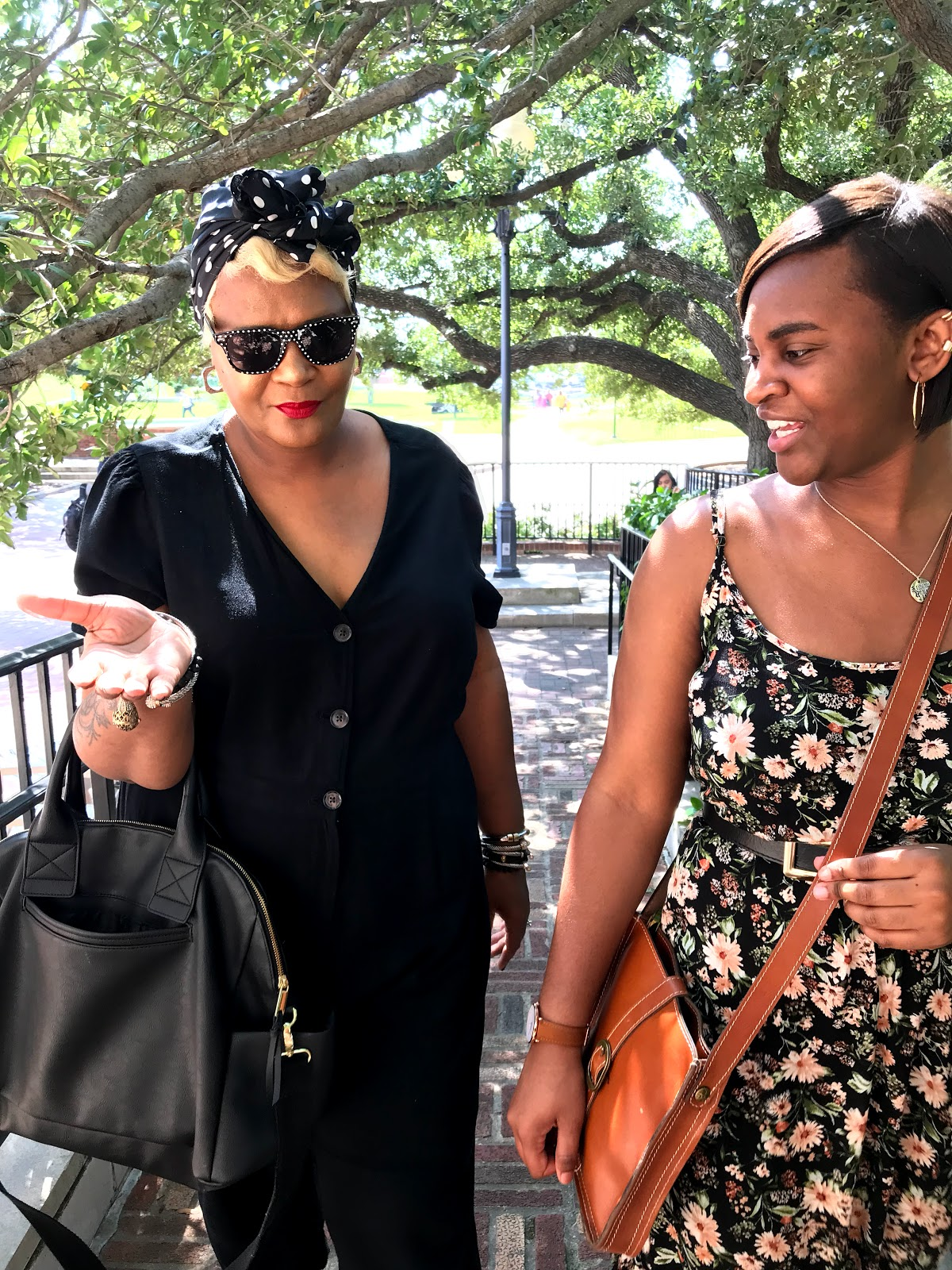 Image : Tangie Bell and daughter Kamoriae walking and touring her new university and Texas State Womens College. Seen First On Bits and babbles blog