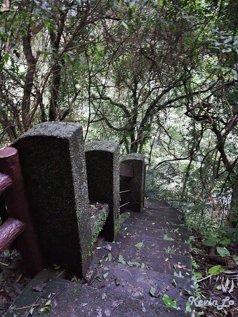 拉波波村營區步道階梯