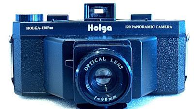 Holga 120-Pan, Front