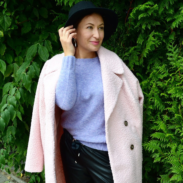 Autumn Outfit with Boucle Bonprix Coat