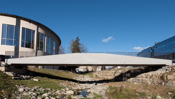 Light and delicate bridges made of textile concrete