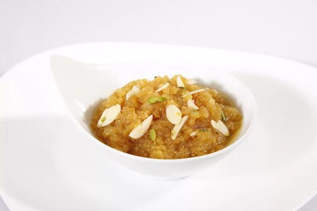 Moong Dal Halwa Recipe in Hindi