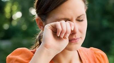 6 Cara Paling Ampuh Atasi Mata Kering