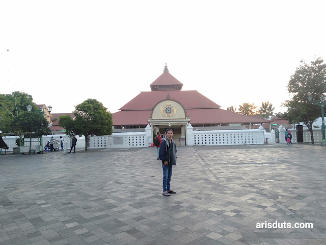 Berdoa Dengan Sepenuh Hati di Masjid Gedhe Kauman Yogyakarta