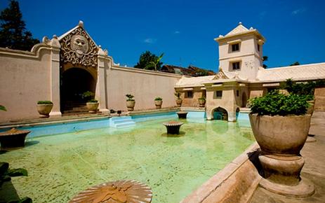 Objek wisata istana taman air jogja