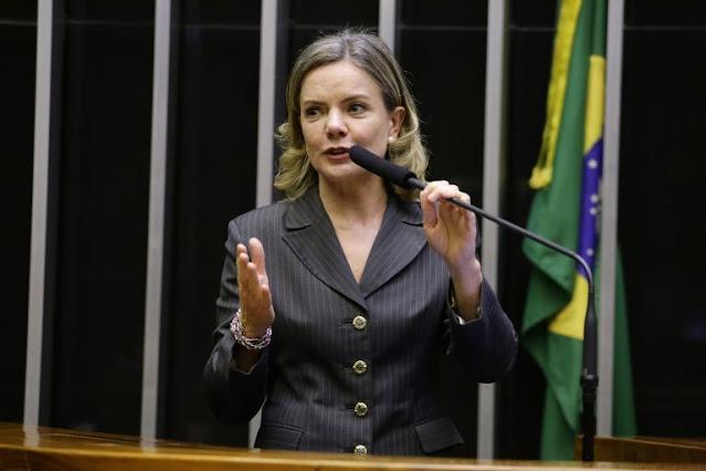 Deputada Gleisi do PT, usou cota parlamentar para contratar empresa que faz disparo de mensagens em massa