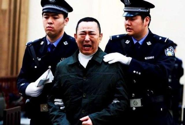 С 2000 года в Китае казнили 10 тыс. чиновников за коррупцию