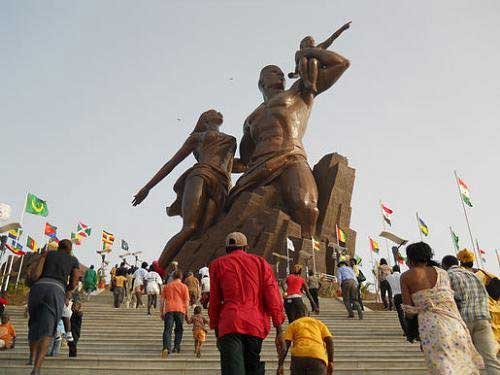 LE MONUMENT DE LA RENAISSANCE AFRICAINE : Tourisme, hôtel, plage, culture, vacance, parcs, LEUKSENEGAL, Sénégal, Dakar, Afrique