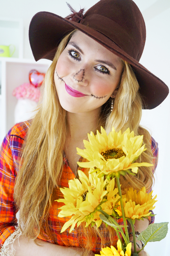 Easy Homemade Scarecrow Costume Tutorial for Halloween