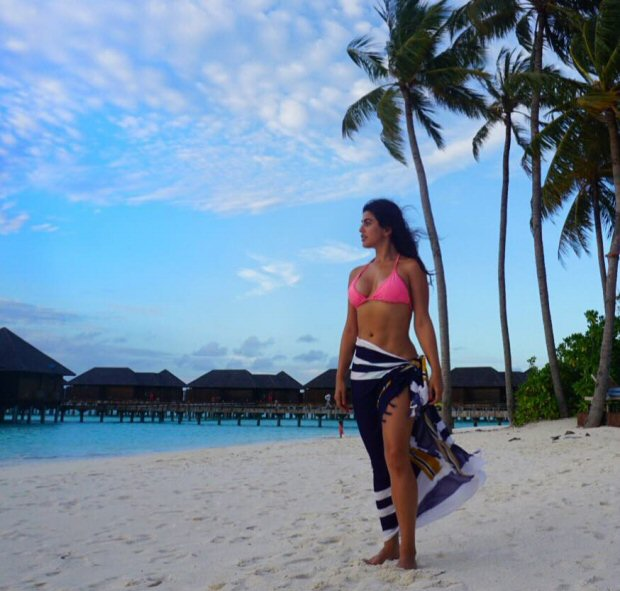 Shenaz Treasury spotted posing sexily on a cloudy day at Maldives: HOT!