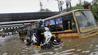 http://sciencythoughts.blogspot.co.uk/2015/12/heavy-rains-bring-further-flooding-to.html