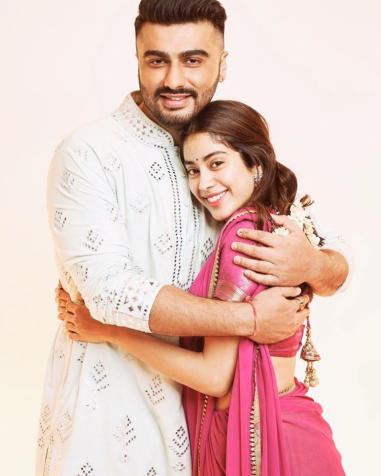 Bollywood Actor Arjun kapoor and Jhanvi kapoor