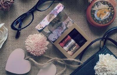 10 cosas que TODA chica debería llevar en su bolso