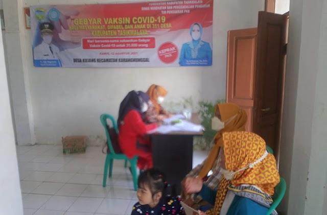 Puskesmas Karangnunggal Adakan Vaksinasi Massal di Desa Kujang