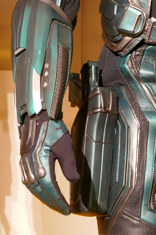 Captain Marvel Yon-Rogg costume detail