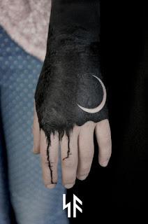 ลายสักสีดำ
