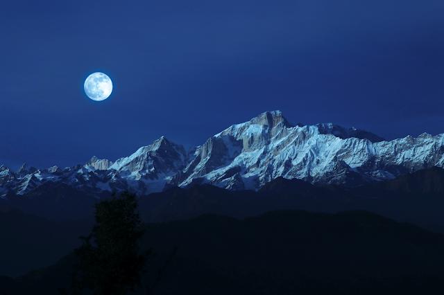 Full moon in February_Snow Moon