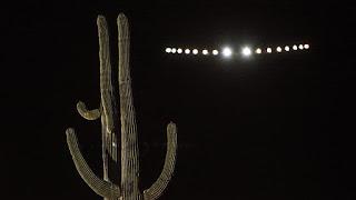 """Το αεροσκάφος""""Solar Impulse 2"""" το βράδυ"""