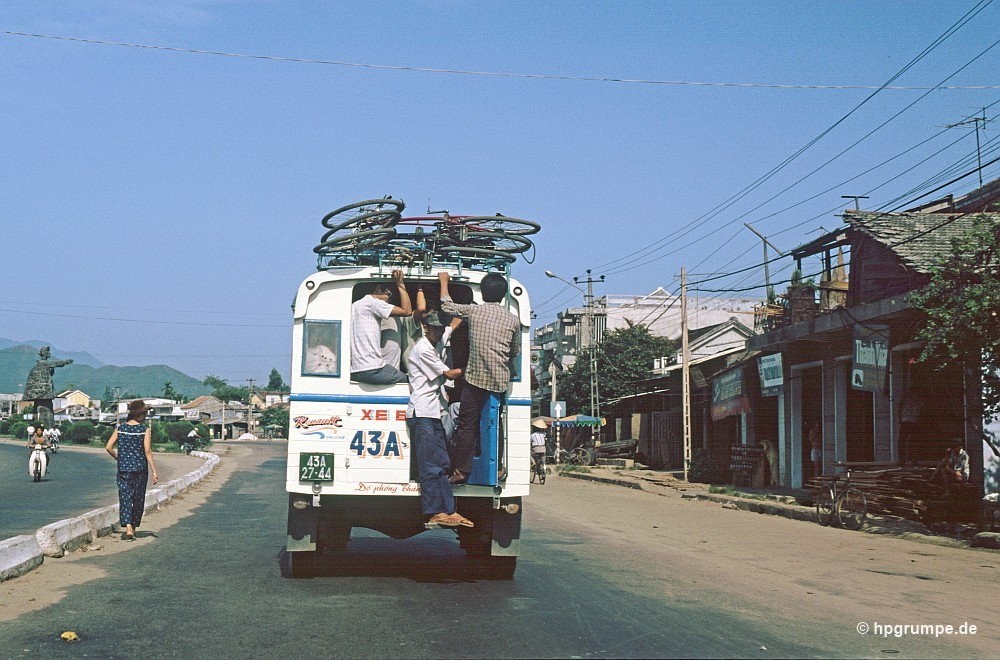 Nhịp sống đời thường ở Quảng Nam - Đà Nẵng đầu thập niên 90