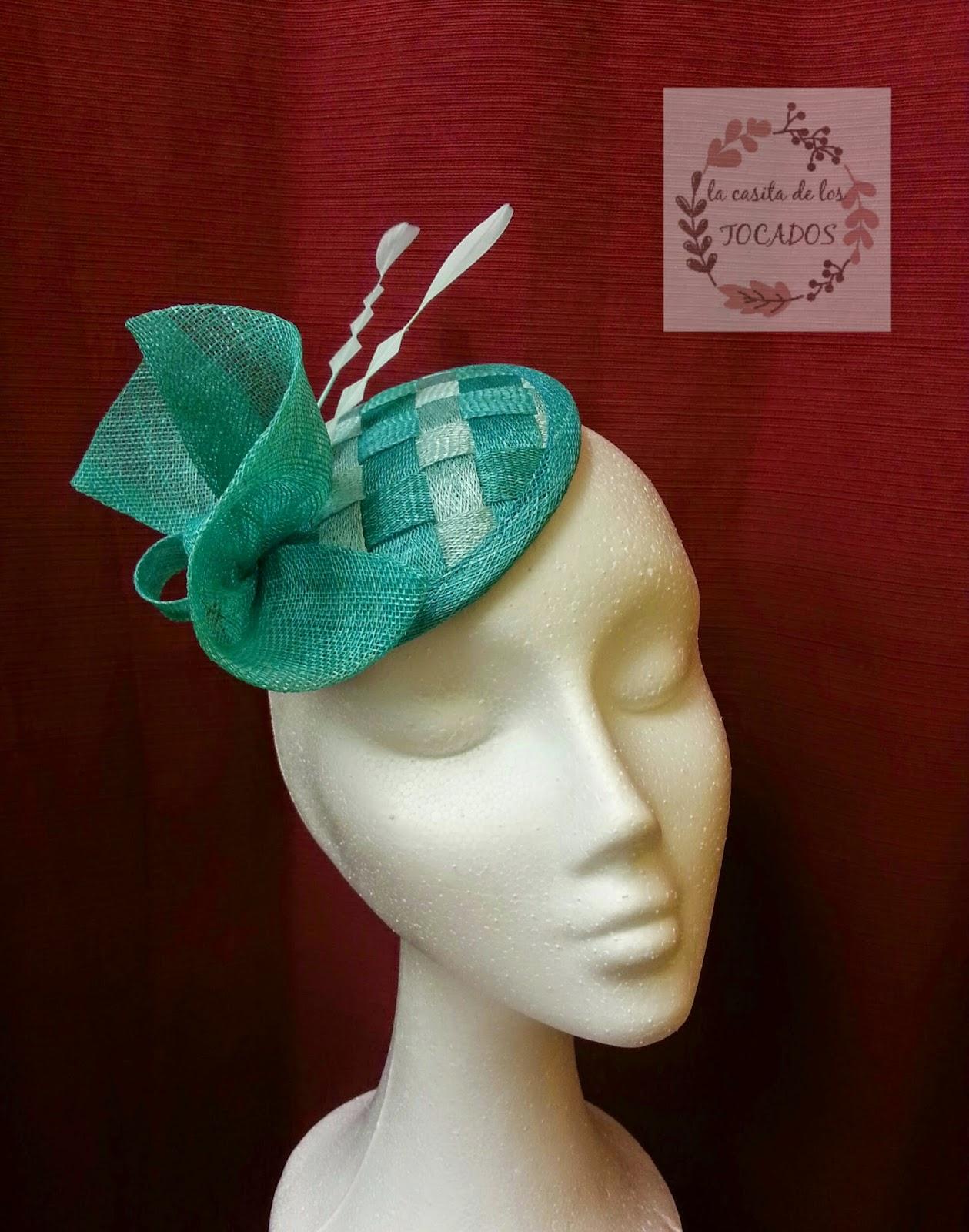 tocado con base de casquete para boda en colores verde jade y verde agua