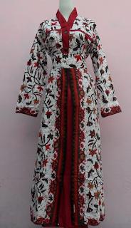Model ketiga baju batik gamis wanita