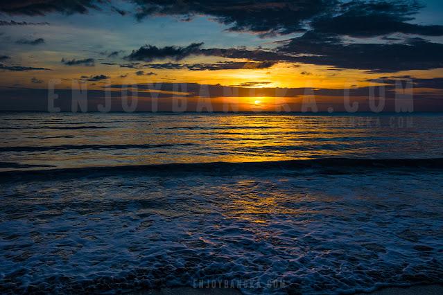 sunrise-pantai-indah-di-pulau-bangka