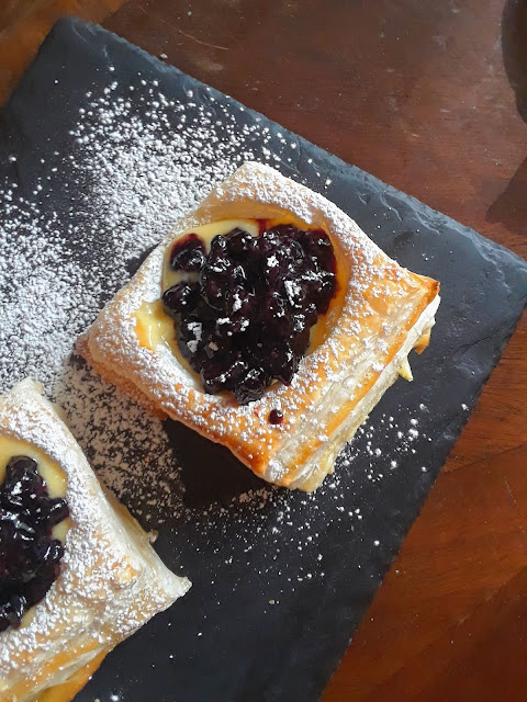 Blueberry Balsamic Puff Pastry Cups
