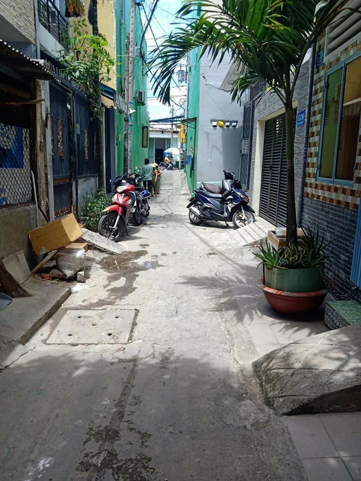 Bán nhà hẻm 17 Trần Quang Cơ, quận Tân Phú giá rẻ. DT 3,5x11m