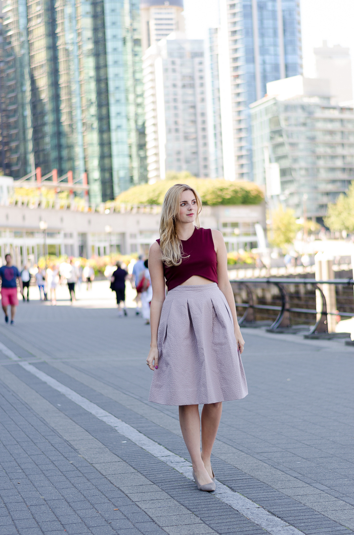 How to wear a midi skirt and crop top
