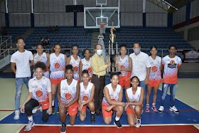Telleria guía al team Yunilsa Gutiérrez a conquistar segundo torneo  basket  superior  femenino