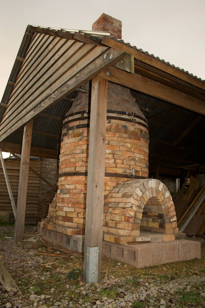 Patia Davis Pots Building The Bottle Kiln