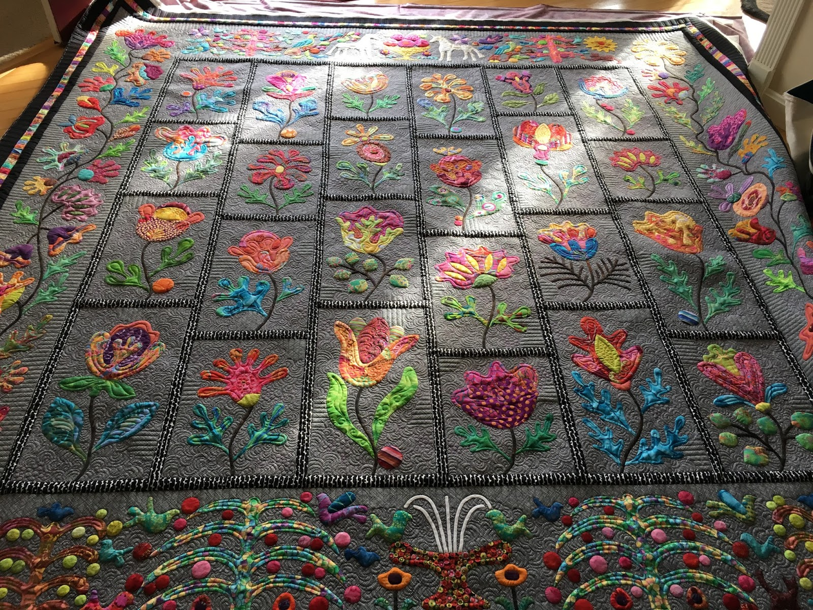 sewing quilt gallery beautiful applique. Black Bedroom Furniture Sets. Home Design Ideas