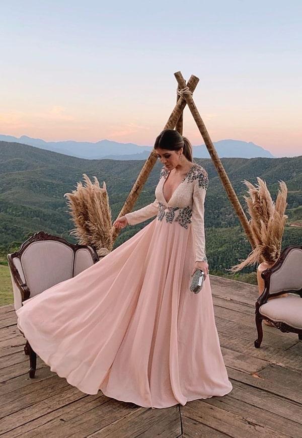 Isa Domingues vestido nude para madrinha de casamento no campo